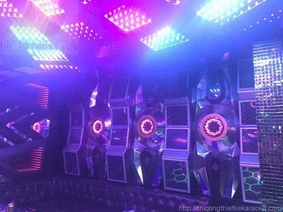 mau-phong-karaoke-hien-dai23