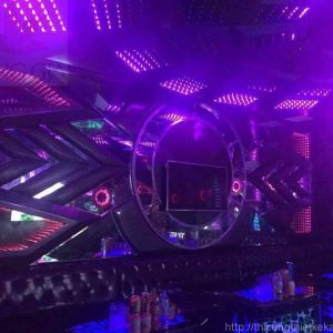 mau-phong-karaoke-hien-dai49